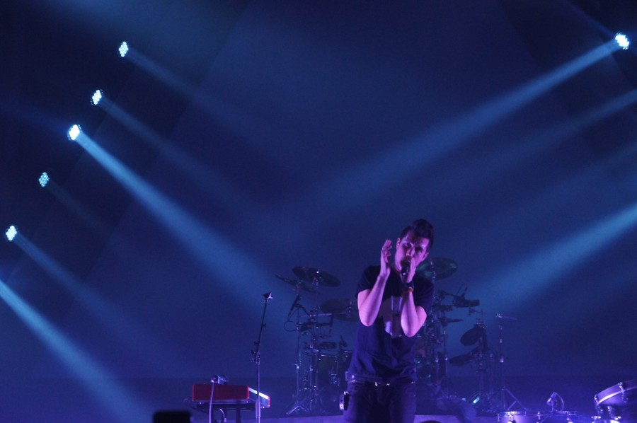 Singer+Dan+Smith+leads+Bastille+in+their+performance+at+E.J.+Thomas+Hall.+