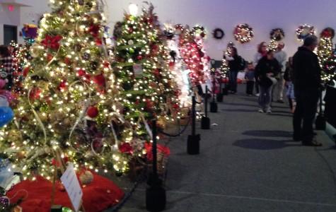 Knight Center hosts holiday tree festival