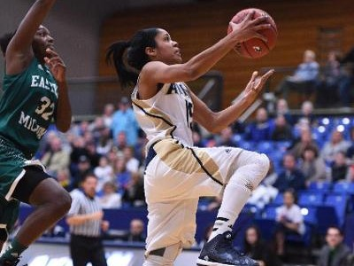 Zips continue to shine in MAC