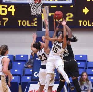 Lady Zips fall big