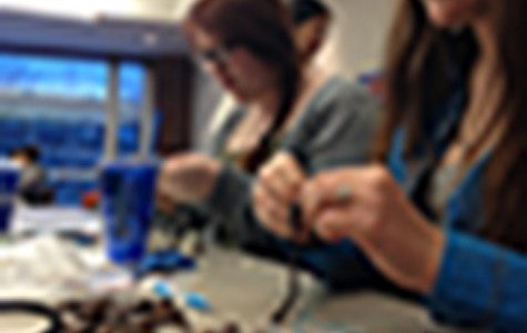 Jewelry workshop lets students relax