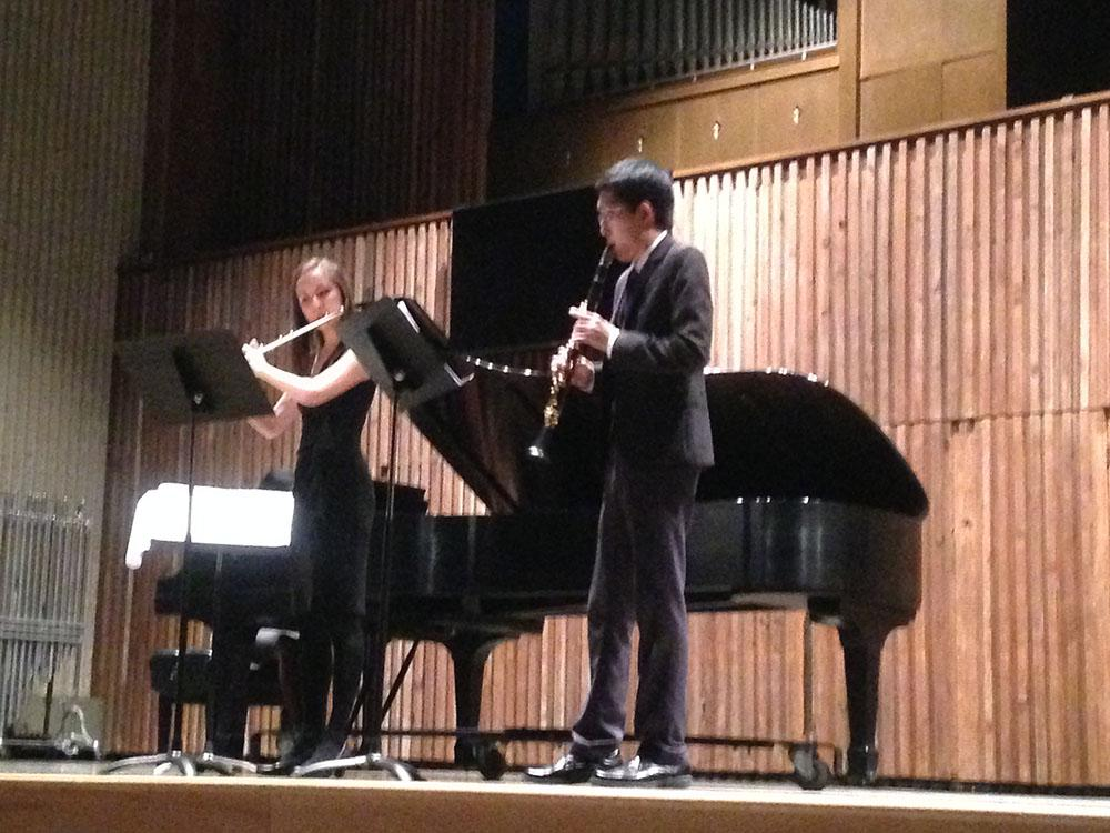 Ayea Cetin (left) and  Katsuya Yuasa perform at Guzzetta Tuesday, Nov. 24.
