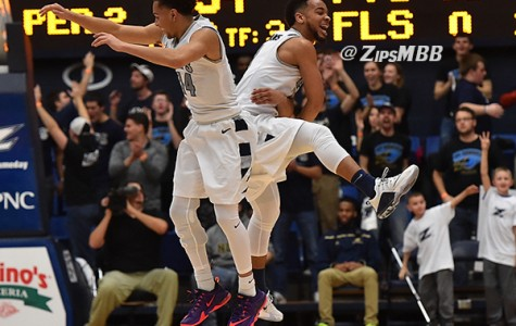 Zips avoid slow start, beat Chippewas, 92-87