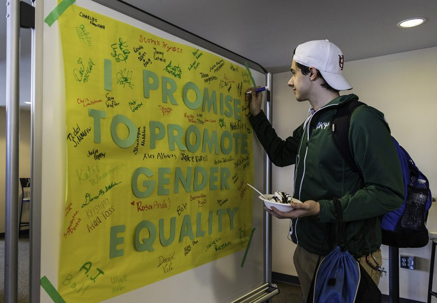 Students+sign+the+gender+equality+promise+during+ZPN%27s+event+for+Gender+Diversity+Week.