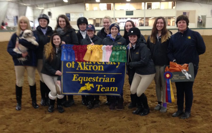 The+UA+Equestrian+team+expanded+from+four+members+to+13+over+the+course+of+the+semester.+