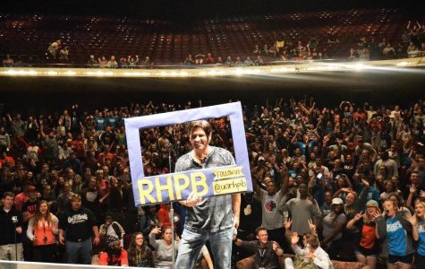 Hypnotist dazzles audience at EJ