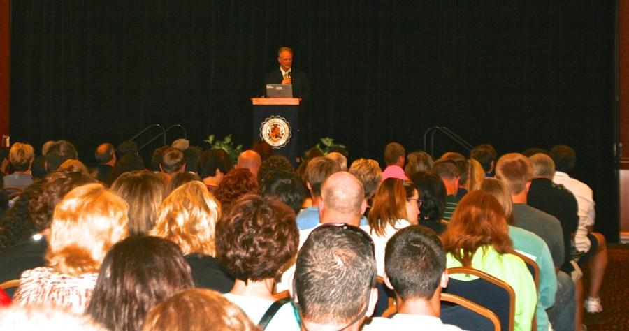 President+Scarborough+telling+parents+and+students+the+benefits+of+a+UA+education.
