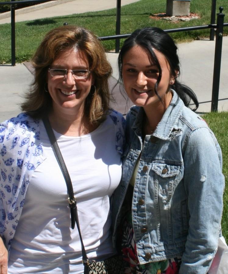 Alumnus Sharon Clark visits UA with her daughter