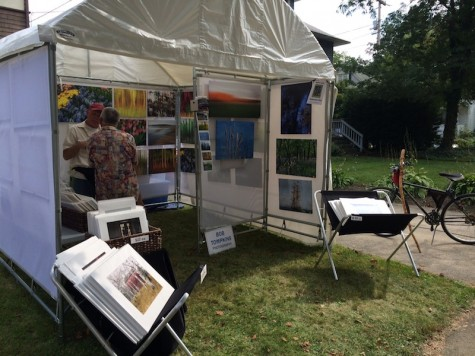 Many artists very selling pieces on every street of the festival
