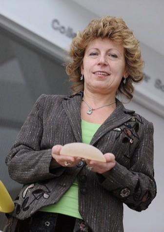 Dr. Judit E Puskas