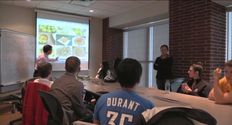 Confucius Institute meets with Chinese Corner