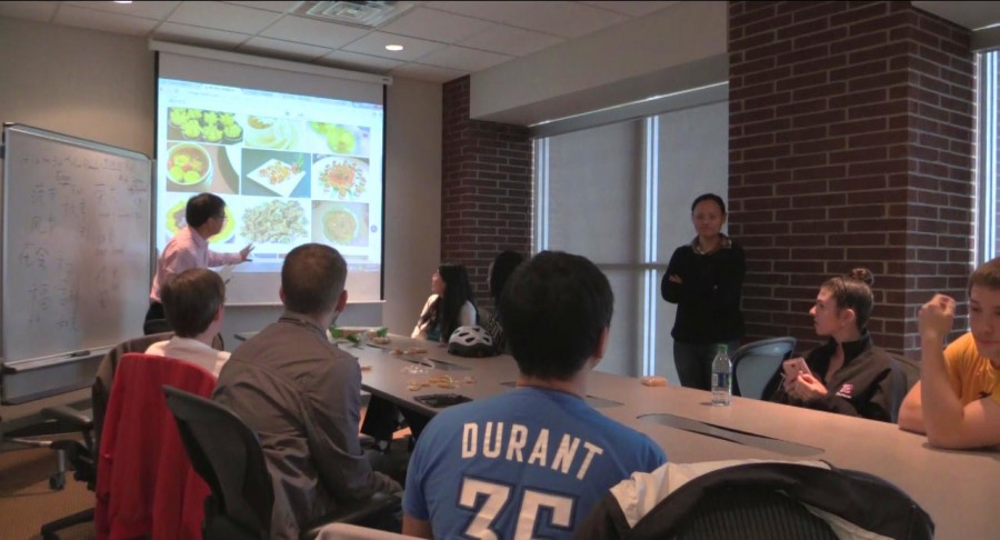 Students and faculty meet to discuss Chinese Culture.