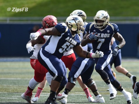 Zips avoid upset to stay perfect in MAC