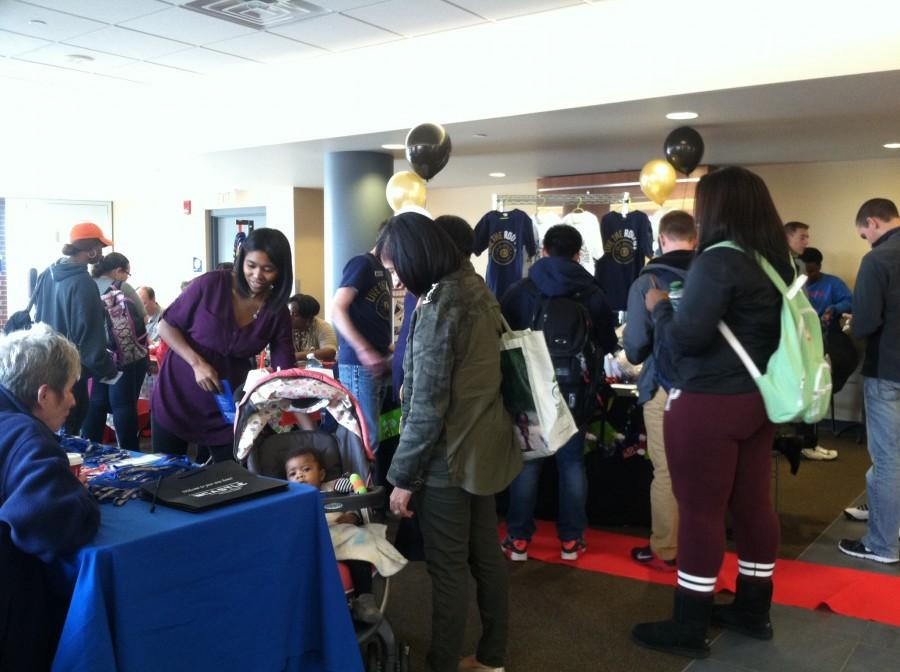 Many gathered for UA's Fall Housing Fair.