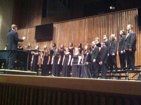 "University Singers perform ""Non nobis domine"" as part of their Holiday Hyms concert"