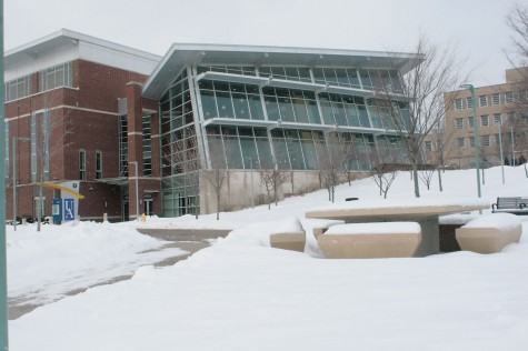 Main campus closes as weather worsens