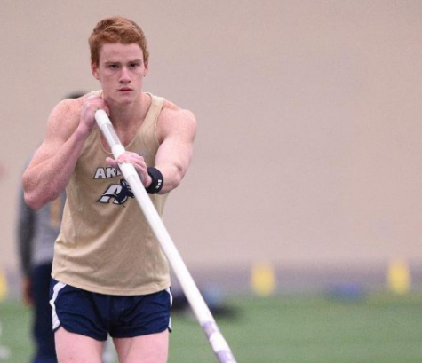 Shawn Barber before his vault.