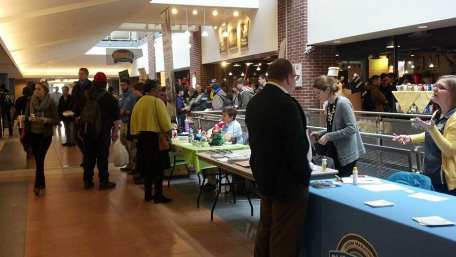 Volunteer organizations tabling at the Student Union on Wednesday, Feb. 11