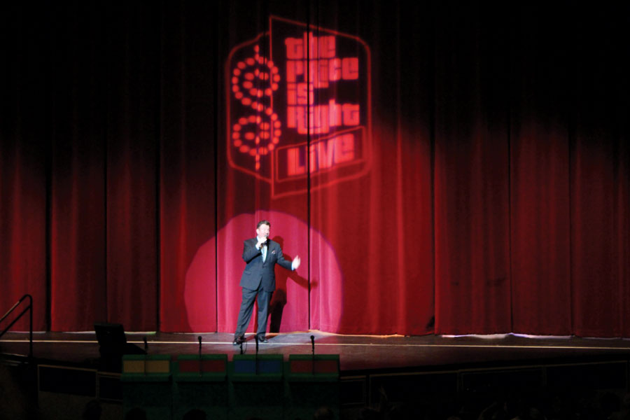 Rich Fields, the show's announcer, welcomes the audience on Wednesday, Jan. 25.