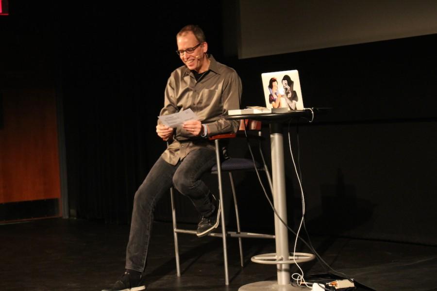Frank Warren reads secrets
