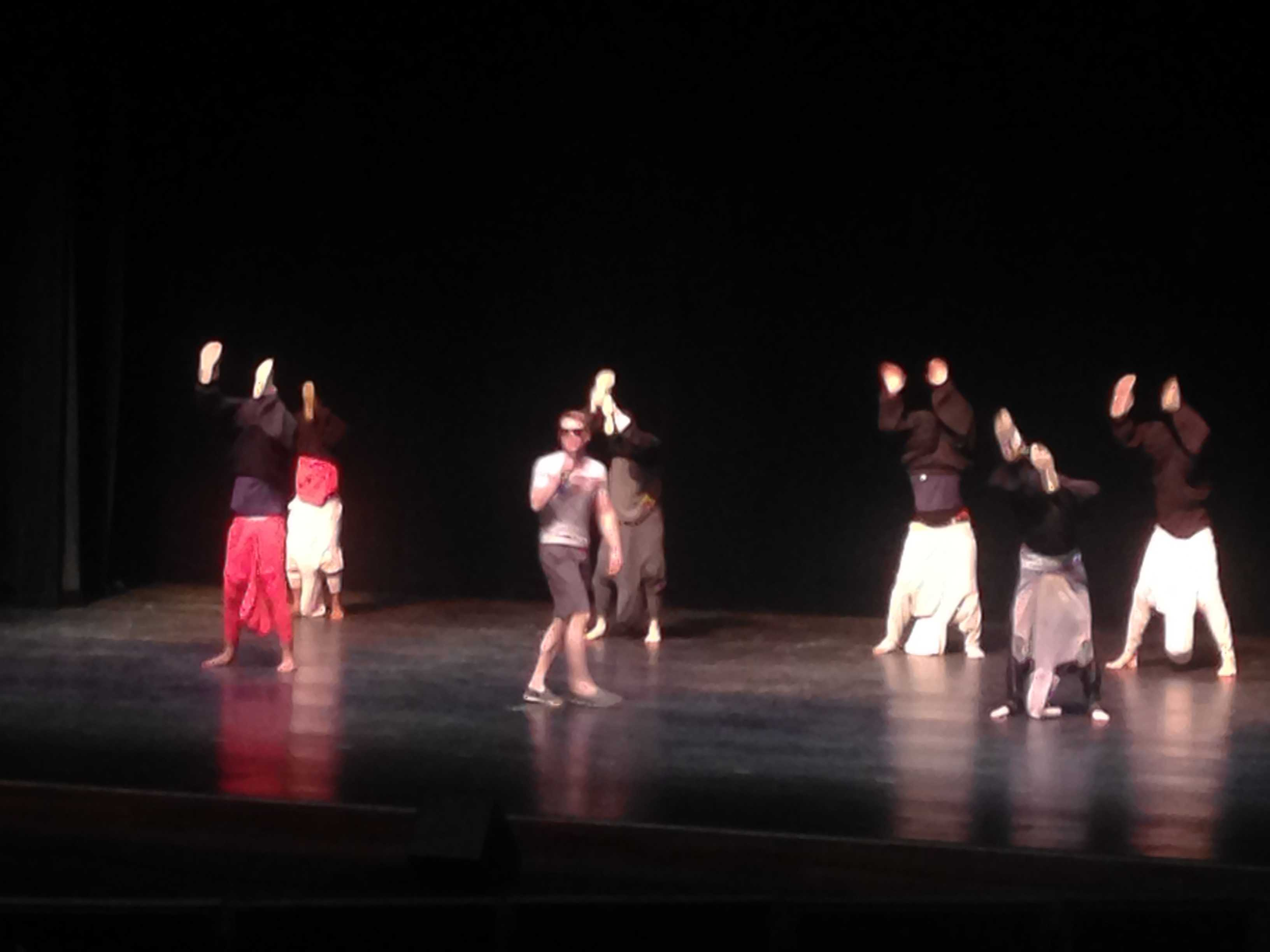 Tau Kappa Epsilon gives a fun performance to summer songs of the 90's.