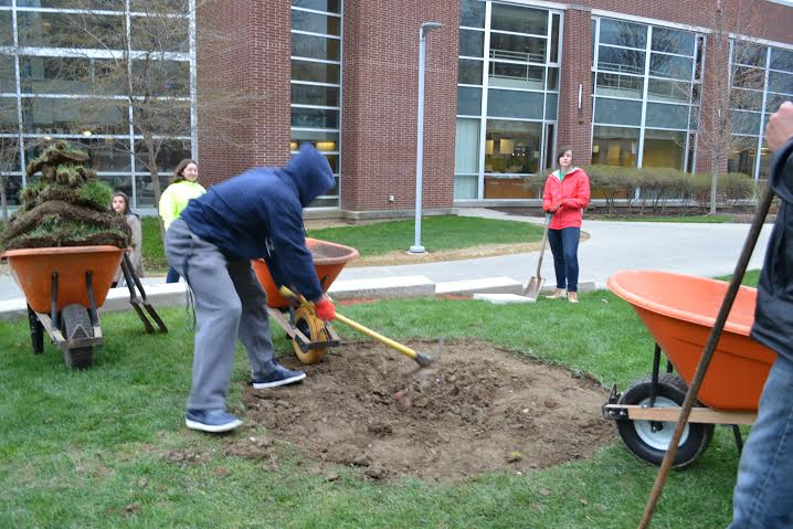 Honors Complex and Orr Hall Government from RHC plant a tree.