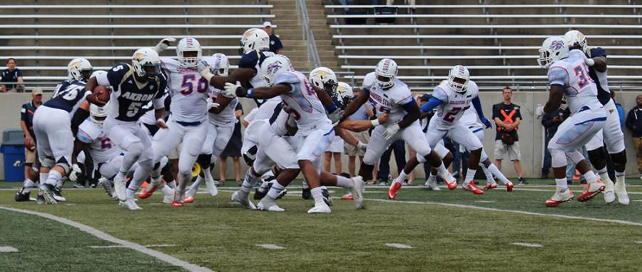 Tra'von Chapman (5) looks to get to the outside