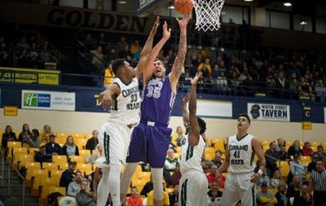 Men's basketball beats Cleveland State, 65-53