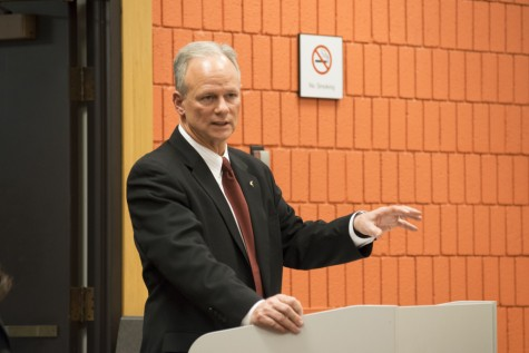 UA President Scott Scarborough speaks to the Faculty Senate on Thursday, Feb. 4, shortly before it voted 50-2 for a resolution of 'no confidence' in him.