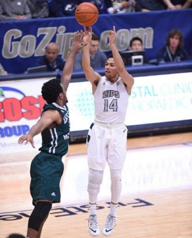 Noah Robotham, shown here against Eastern Michigan, chipped in 14 points to help the Zips defeat Ohio 80-68
