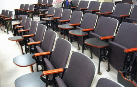 UA Should Have More Left-Handed Desks to Become More of an Equal Opportunity Campus