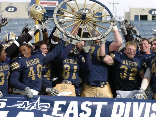 The 2005 Zips celebrate winning the Wagon Wheel at the Rubber Bowl.