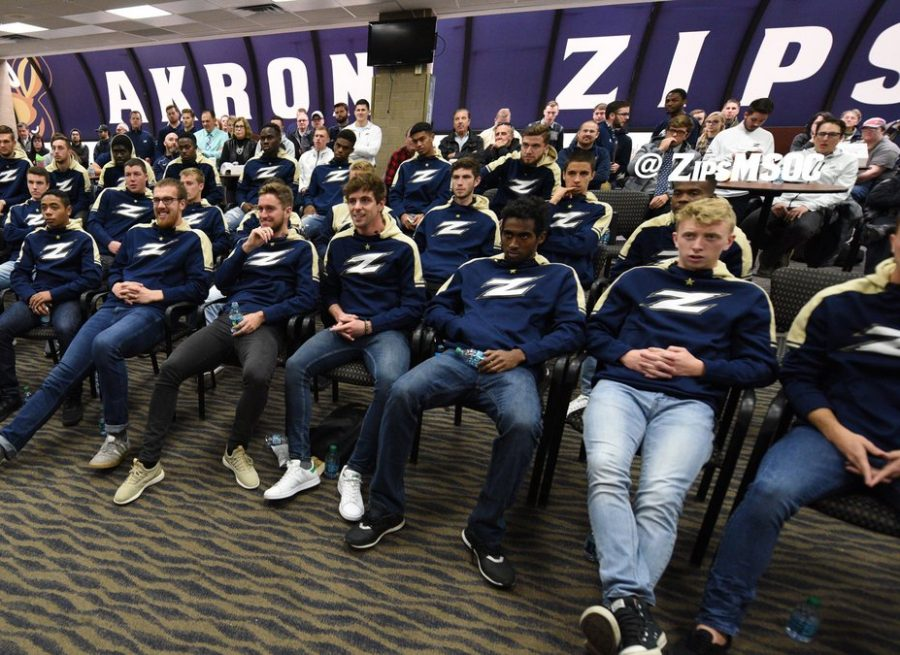 The+Akron+Men%E2%80%99s+Soccer+team+gathers+at+the+James+A.+Rhodes+Arena+for+the+NCAA+Men%E2%80%99s+Soccer+Championship+Selection+Show+with+students+and+faculty.+Photo+Courtesy+of+The+University+of+Akron+Department+of+Athletics%29%0A