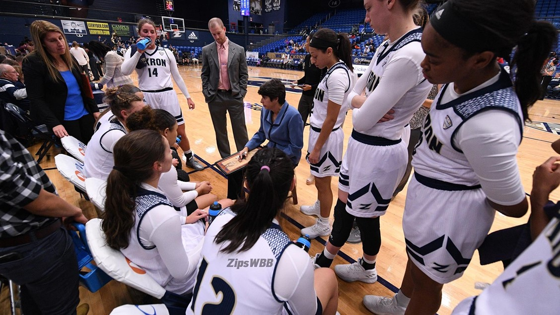 Head Coach Jodi Kest guides the Zips Women's Basketball team towards victory over Youngstown State on Tuesday, marking her 400th career win.  (Photo courtesy of Akron Athletics)