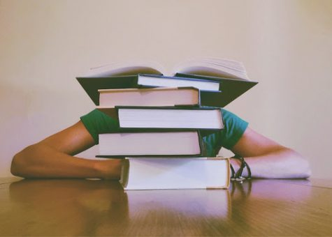 With Midterms coming up, students know it's about that time to start hitting the books. (Photo courtesy of Pexels)