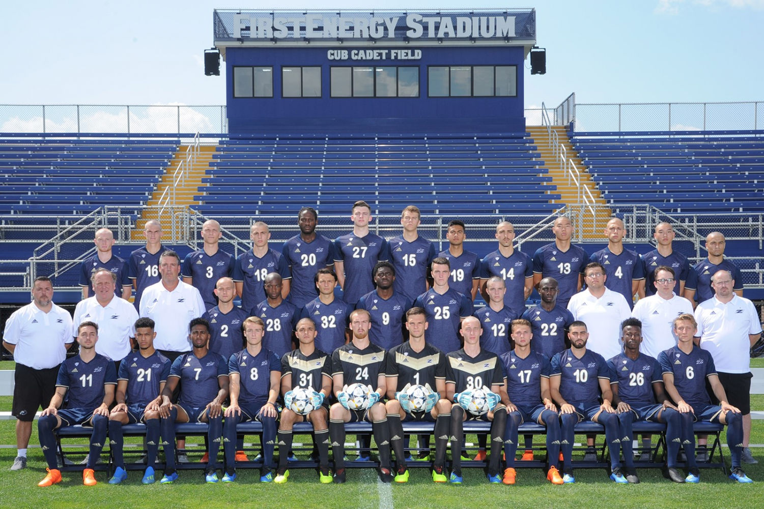 The 2018 Men's Soccer team. (Photo courtesy of the Akron Zips)