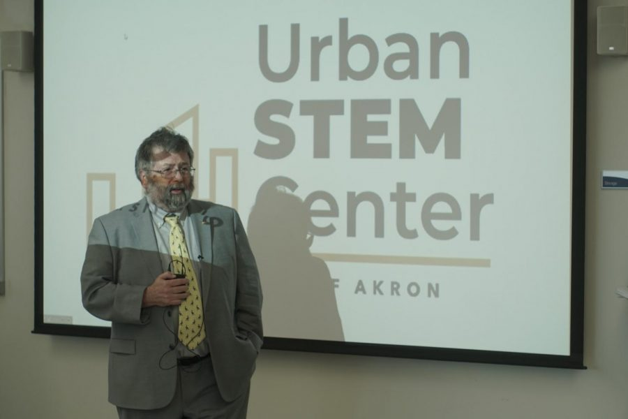 Interim+President+Dr.+John+Green+welcomes+guests+at+an+open+house+for+the+Urban+STEM+Education+Center+on+Tuesday.+