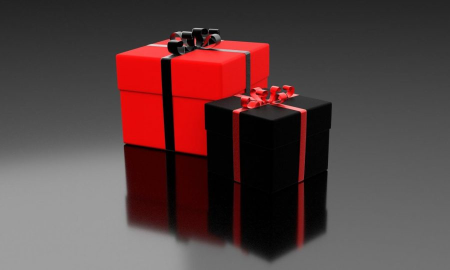 Gifts+on+Valentine%E2%80%99s+Day+come+in+a+variety+of+shapes+and+sizes%2C+but+usually+are+wrapped+in+a+red-themed+color+scheme.