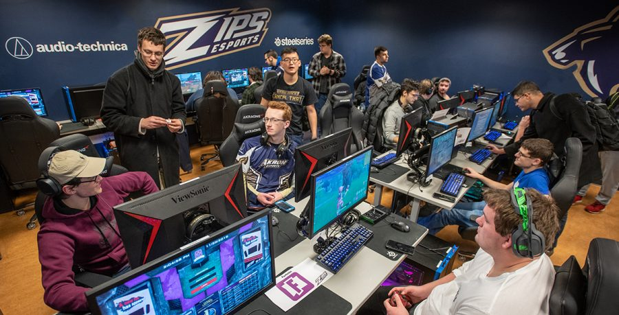 The Zips Gaming Lounge, located in the Williams Honors College, features 24 state-of-the-art gaming PCs and five consoles for recreational use by UA students in good academic standing.